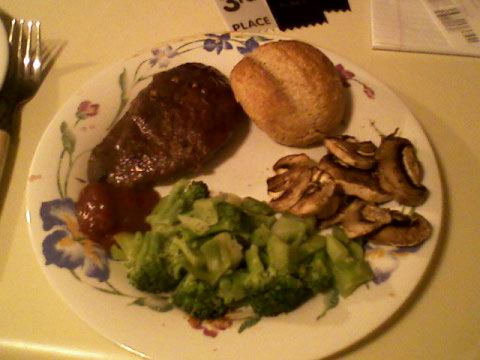 Steak, broccoli, mushrooms, whole wheat roll w/ Promise